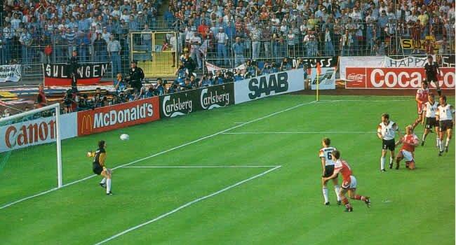 Danemarca în ofensivă în finala Euro 1992