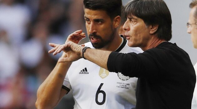 Sami Khedira, Joachim Low (Germania)
