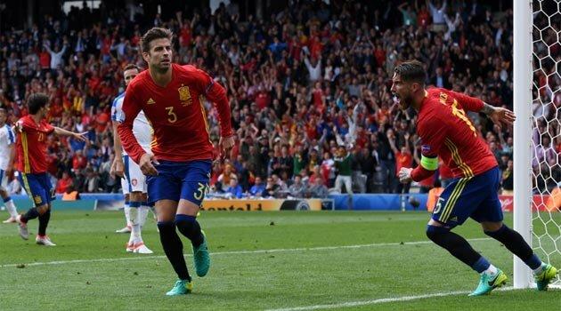 Pique a marcat unicul gol al meciului Spania - Cehia