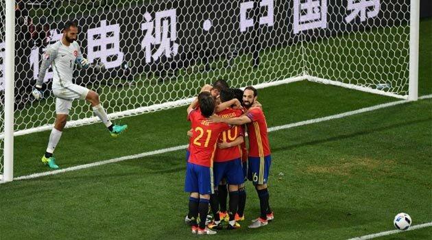 Spania a făcut spectacol cu Turcia