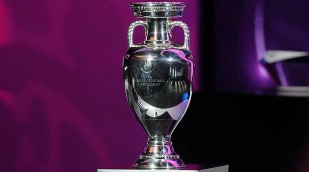 Cupa Henri Delaunay, trofeul pe care îl primeşte câştigătoarea Campionatului European de Fotbal